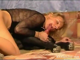 Stunning blonde with big bottom likes filthy dog bestiality so...